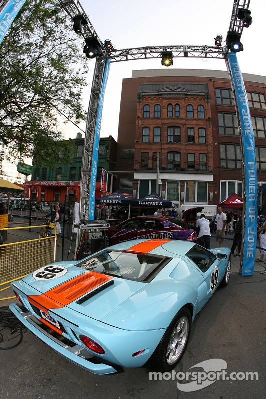 Fête John Street : la Ford GT sur affichage