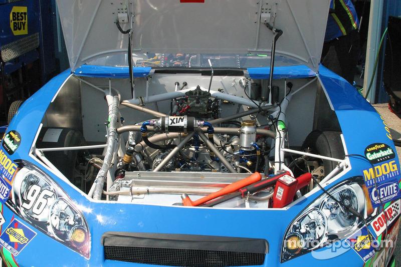 Une vue détaillée du moteur de Tony Raine