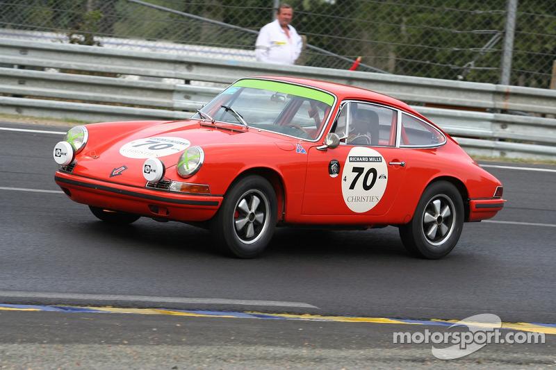 #70Porsche 911 1965