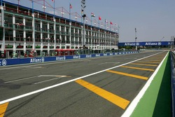 start-finish straight, Magny Cours