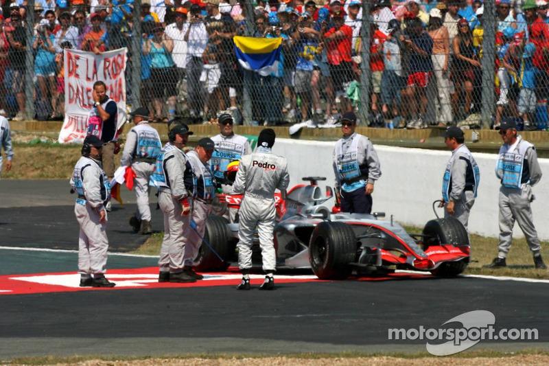 Pedro de la Rosa s'est arrêté sur la piste après l'arrivée