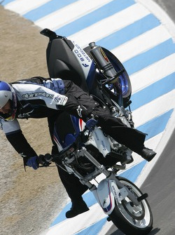 Stoppy action in the corkscrew