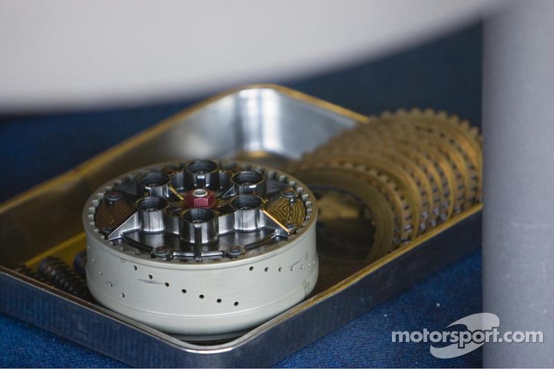 Embrague y los engranajes de la máquina de MotoGP de Valentino Rossi