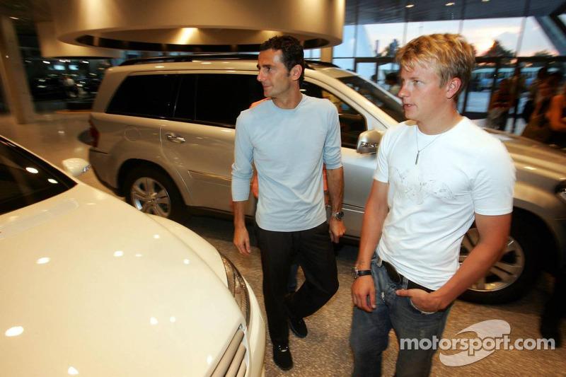 Evénement média de DaimlerChrysler Mercedes: Kimi Räikkönen et Pedro de la Rosa présentent la nouvelle CL600 à Stuttgart