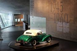 DaimlerChrysler Mercedes media warmup event: an historical car in the Mercedes-Benz museum in Stuttgart