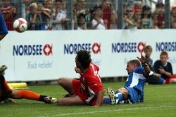 Evento de la UNESCO Juego del corazón, las superestrellas de F1 juegan contra las superestrellas RTL: Mauritio Gaudino y Till Schweiger