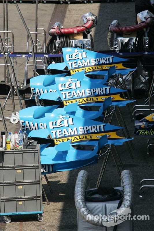 Capots de moteur Renault F1 R26