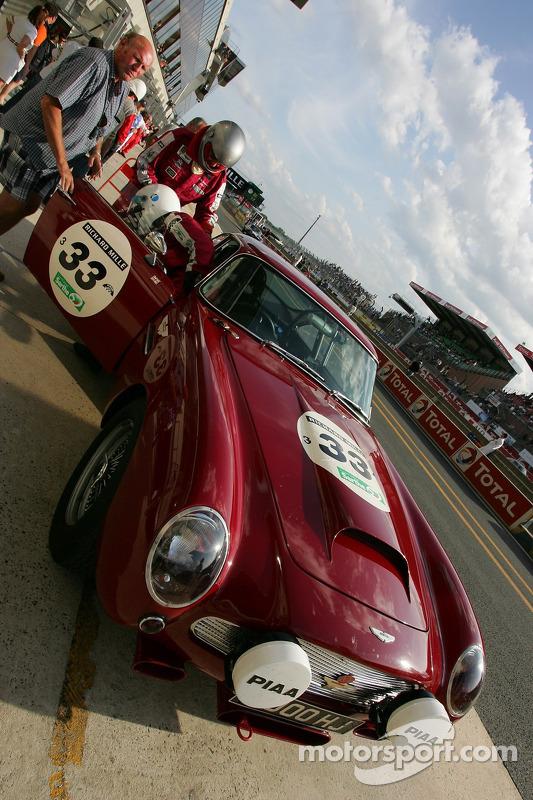 #33 Aston Martin DB4 GT 1960
