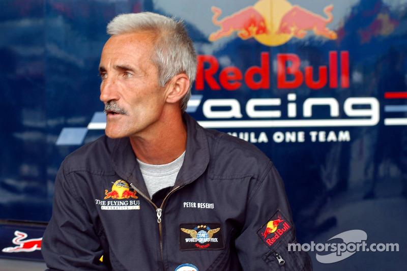 Red Bull Show Run Budapest: Peter Besenyei