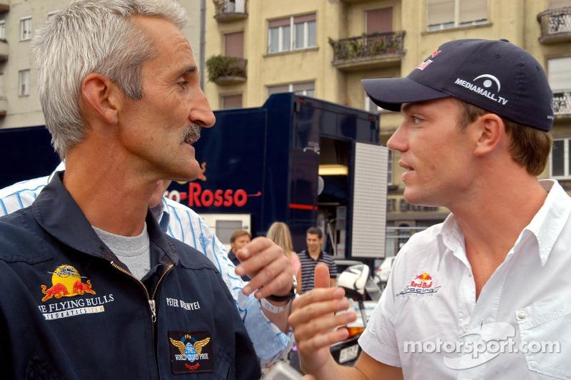Red Bull Show Run Budapest: Peter Besenyei y Robert Doornbos