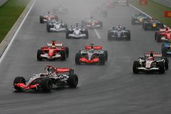 Inicio: Kimi Raikkonen lidera a Pedro de la Rosa y a Rubens Barrichello