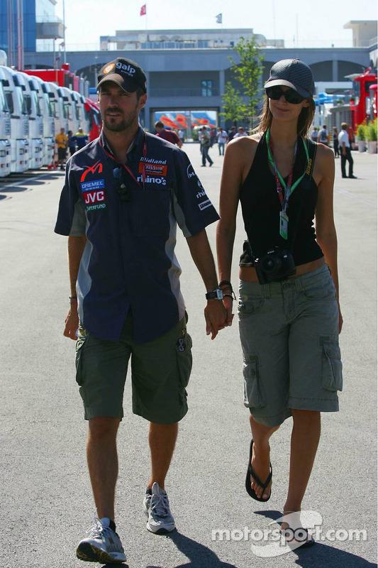 Tiago Monteiro avec sa petite amie