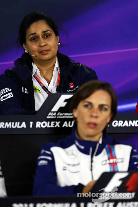 Monisha Kaltenborn, Sauber-Teamchefin, und Claire Williams, Williams, stellvertretende Teamchefin, in der FIA-Pressekonferenz