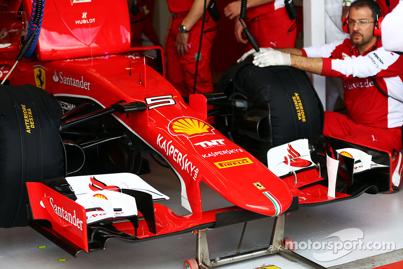 Sebastian Vettel, Ferrari SF15-T - front wing