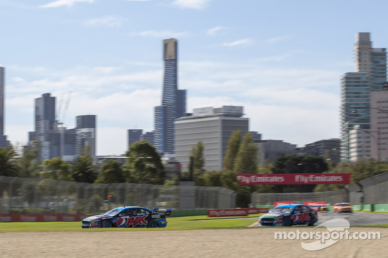 Mark Winterbottom, Prodrive Racing Australia, Ford, und Chaz Mostert, Prodrive Racing Australia, For