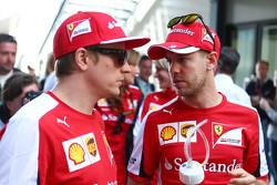 Kimi Raikkonen, Scuderia Ferrari avec Sebastian Vettel, Scuderia Ferrari