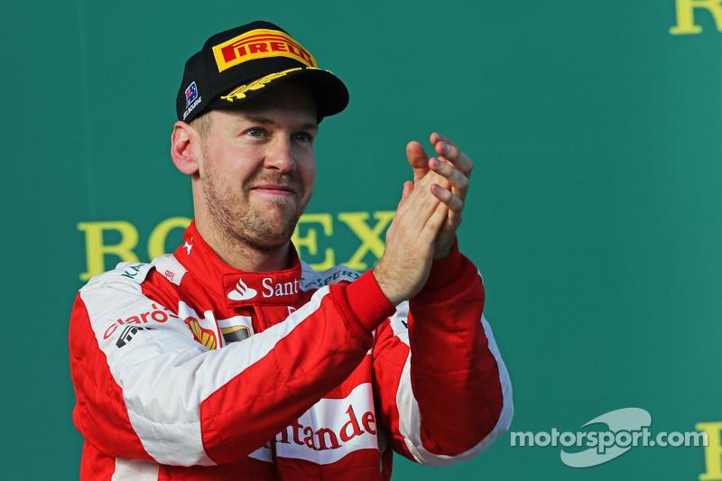 Peringkat ketiga Sebastian Vettel, Ferrari merayakan raihan peringkat ketiga-nya di podium