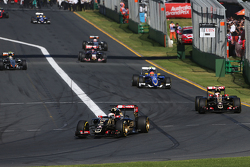 Romain Grosjean, Lotus F1 E23 leads team mate Pastor Maldonado, Lotus F1 E23 on the formation lap