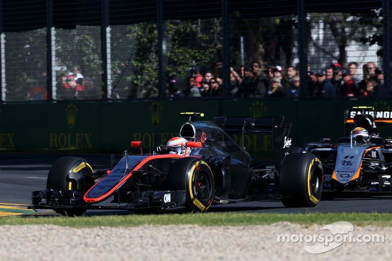 Jenson Button, McLaren Honda et Sergio Perez, Sahara Force India