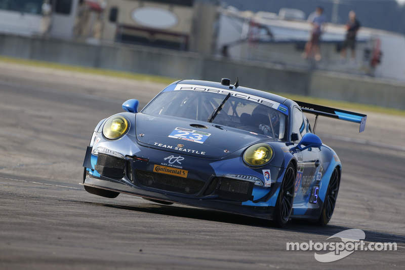 #23 Team Seattle/Alex Job Racing, Porsche 911 GT America: Ian James, Mario Farnbacher, Alex Riberas