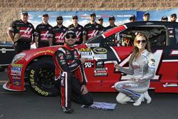 Polesitter Kurt Busch, Stewart-Haas Racing Chevrolet celebrates