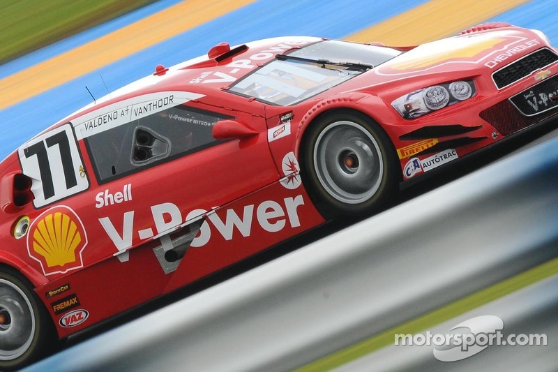 #77 Shell Racing, Chevrolet: Valdeno Brito, Laurens Vanthoor