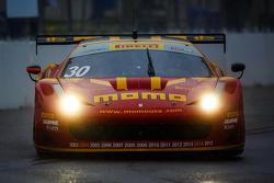 # 30 إن جي تي موتورسبورت فيراري 458: هنريك سيزنيروس