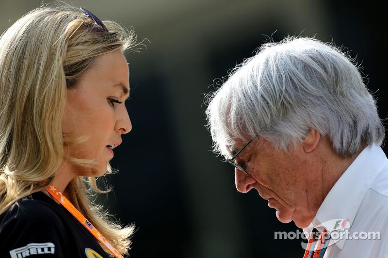Carmen Jorda, Entwicklungsfahrerin Lotus F1 Team, und Bernie Ecclestone