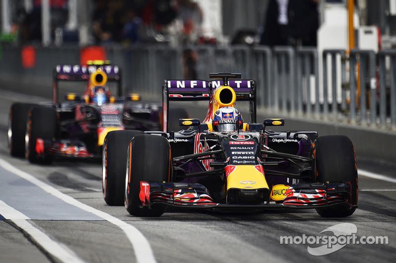 Daniel Ricciardo, Red Bull Racing RB11 y su compañero Daniil Kvyat, Red Bull Racing RB11