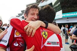Massimo Rivola, Ferrari-Sportdirektor, feiert auf dem Podium