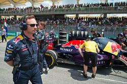 Кристиан Хорнер, руководитель Red Bull Racing Team на стартовой решетке