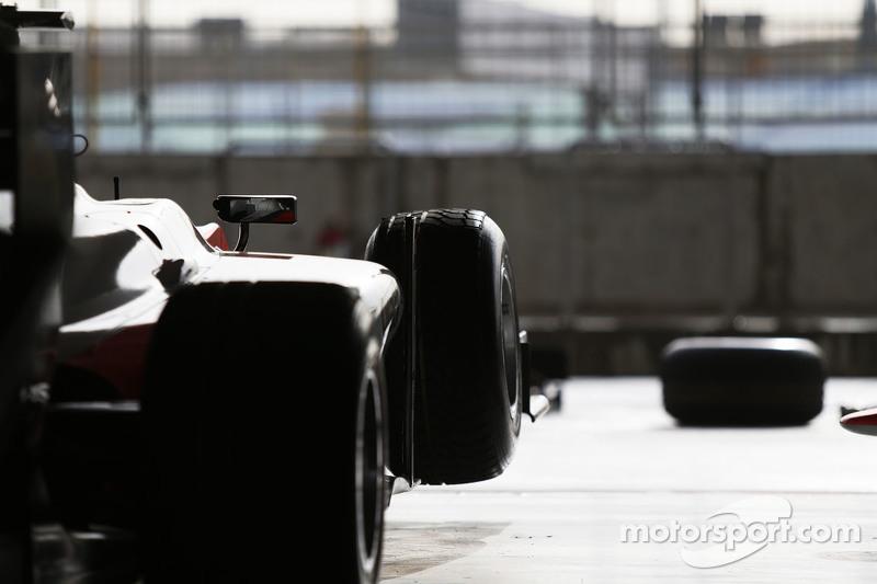 MP Motorsport, Auto in der Garage