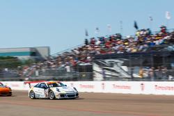 #02 TruSpeed Autosport Porsche 911 GT3 Cup: Слоан Юрри