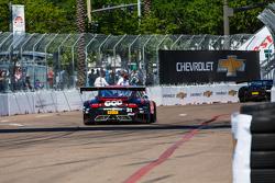 #31 EFFORT Racing Porsche 911 GT3 R: Райан Дил