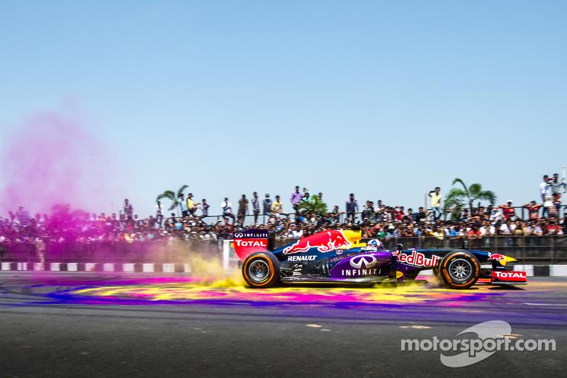 David Coulthard, Red Bull Racing, participa en el Red Bull Show Run 2015 en el Necklace Road en Hyde