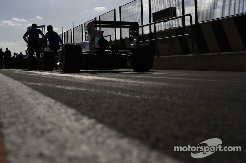 GP3 cars in the pit lane