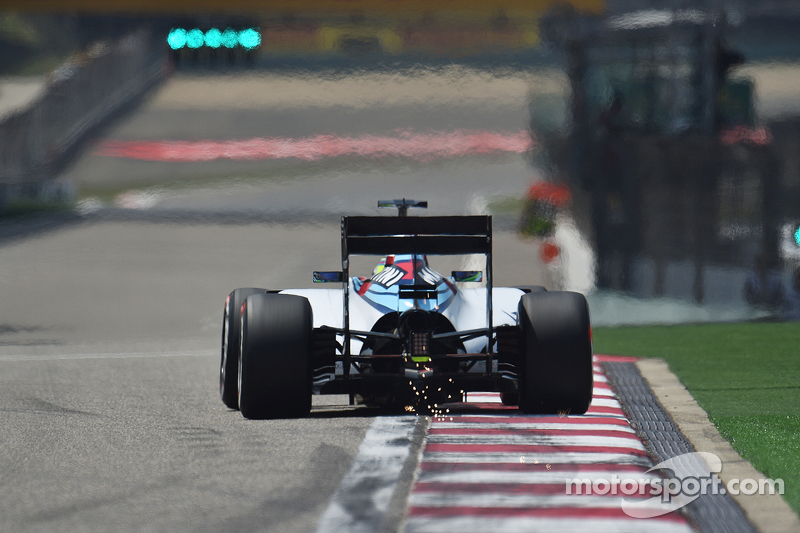 Felipe Massa, Williams FW37 sacando  chispas