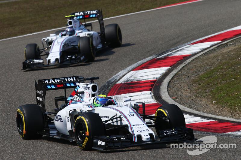 Felipe Massa, Williams FW37, vor Teamkollege Valtteri Bottas, Williams FW37