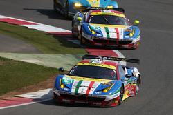 #51 AF Corse 法拉利F458 Italia: Gianmaria Bruni and Toni Vilander和#71 AF Corse 法拉利F458 Italia: Davide Rigon and James Calado