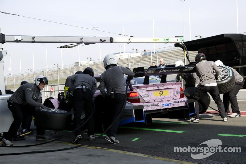 Pit stop untuk Gary Paffett, ART Grand Prix Mercedes-AMG C63 DTM