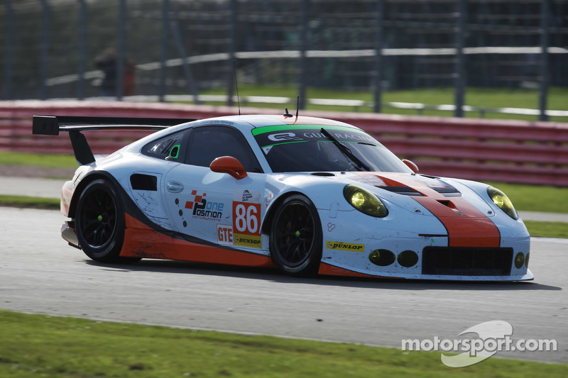 #86 Gulf Racing UK Porsche 911 RSR: Michael Wainwright, Adam Carroll, Philip Keen at Silverstone