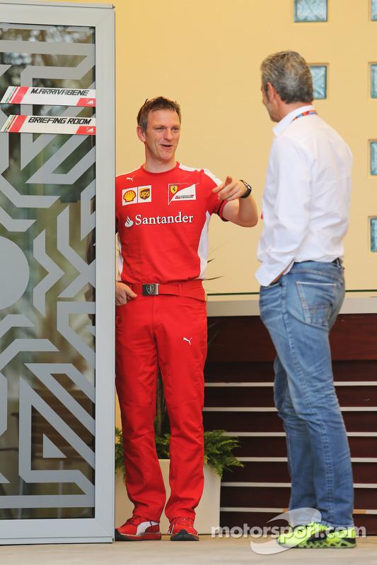(Kiri ke Kanan): James Allison, Ferrari Chassis Technical Director dengan Maurizio Arrivabene, Ferrari Team Principal