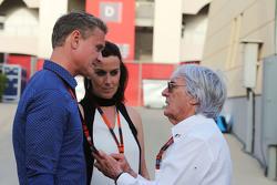 David Coulthard, Berater bei Red Bull Racing und Scuderia Toro, BBC-Experte, mit Lee McKenzie, BBC-Reporter, und Bernie Ecclestone