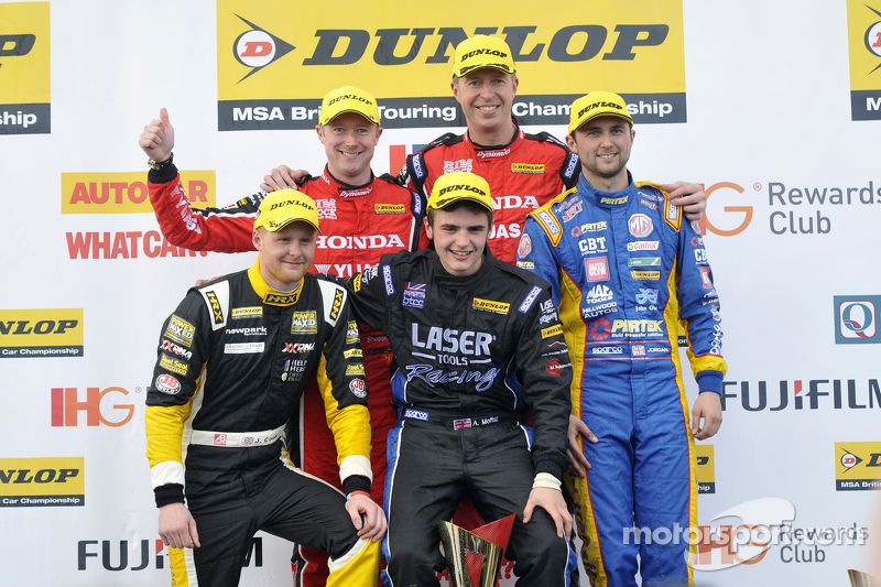 Podium: First placed Matt Neal, second placed Andrew Jordan,third placed Gordon Shedden, Independent