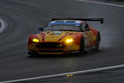 Aston Martin Vantage V8: Алекс МакДауэлл, Ричи Стэнэвей и Фернандо Реес