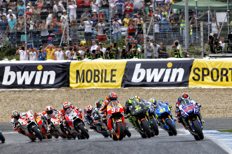 Start: Jorge Lorenzo, Yamaha Factory Racing, in Führung