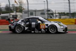 #88 Abu Dhabi-Proton Racing Porsche 911 RSR: Крістіан Рід, Халед Аль-Кубайсі, Клаус Бахлер