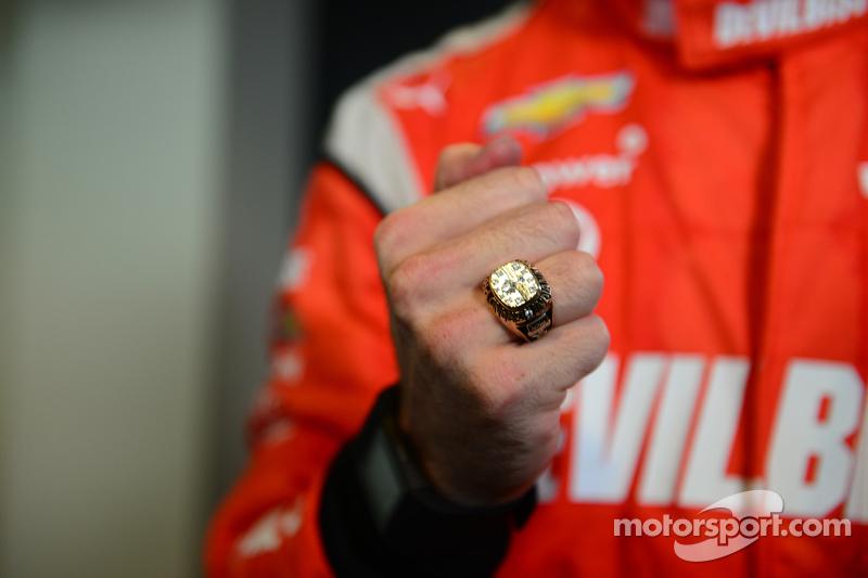 Simon Pagenaud, Penske Racing Chevrolet y su anillo de ganado del 2014 Indy GP