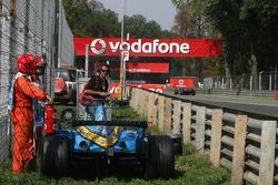 Fernando Alonso se retira con fallo de motor