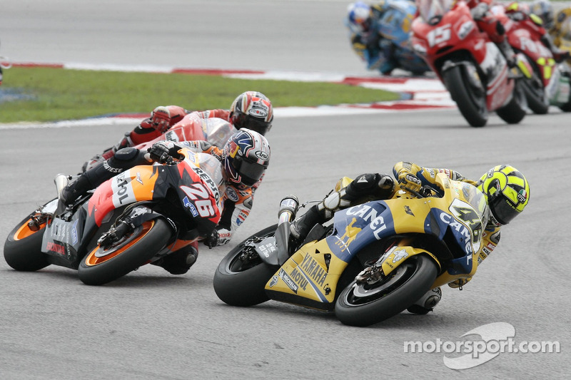 Valentino Rossi lidera a Dani Pedrosa